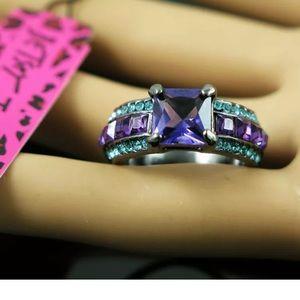 New! Betsey Johnson Fashion Ring! Size 8